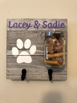 Lacey and Sadie sign