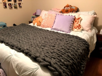grey chunky knit blanket